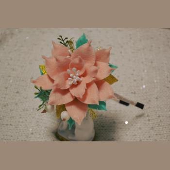 Обруч фетр цветок персиковый